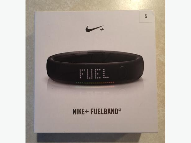 Nike+ FuelBand Fitness Tracker Wireless - Size S