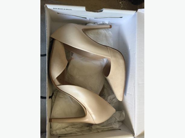 Womens Size 7 Aldo and Spring nude heels