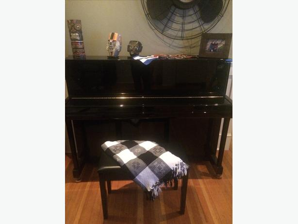 Yamaha B2PE Upright Acoustic Piano