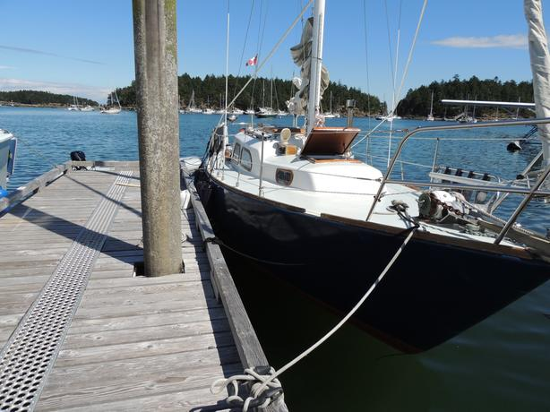 30' Pacific Sailboat with permanent mooring buoy
