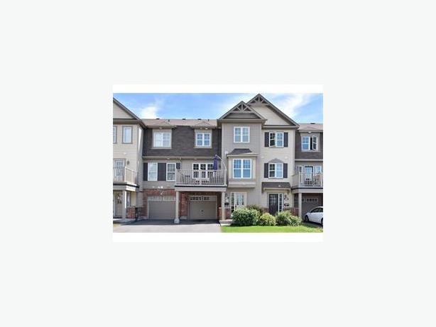 Brand new town house/village home in Orleans Avalon