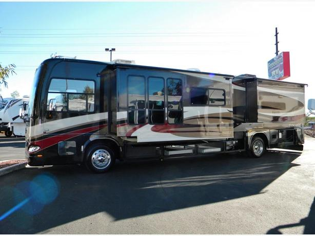 2008 Tuscany 40 footer Diesel Pusher with ONLY 38,500 very LOW Kms.