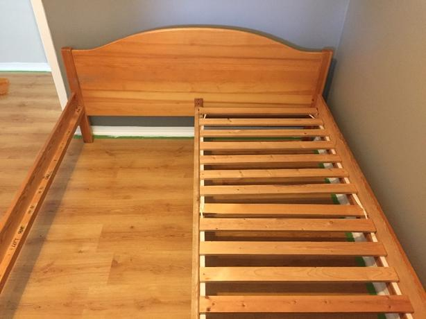 pine queen bed frame  100