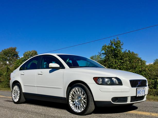 2006 Volvo s40 t5 AWD 6 speed manual
