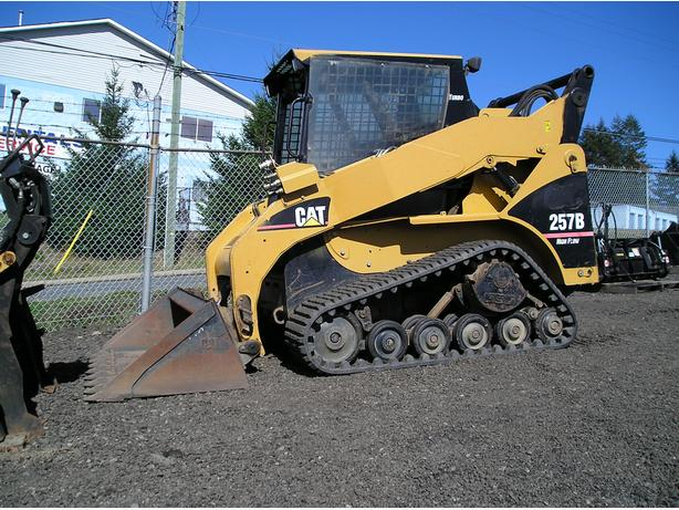 CAT 257B