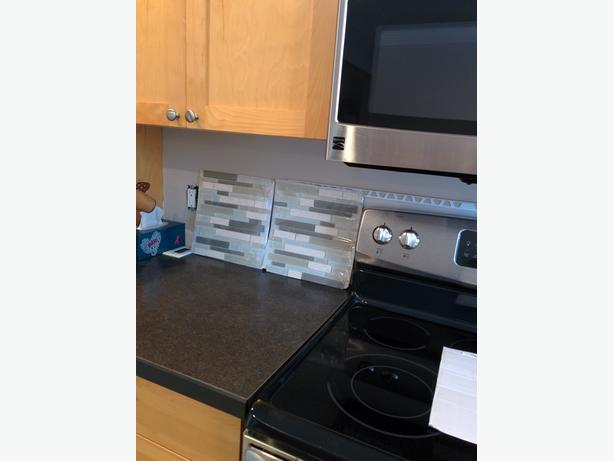 glass back splash tiles