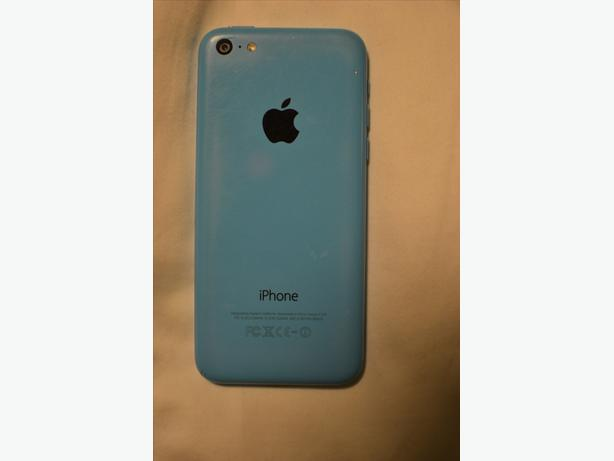 Iphone 5c, 16GB, Blue Rogers Very Good Condition