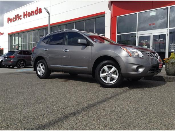 2013 Nissan Rogue SV - ZERO (0) ICBC CLAIMS ON A LOCAL SUV