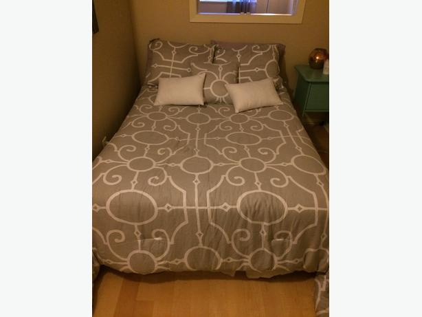 MOVING SALE- Bed for Sale
