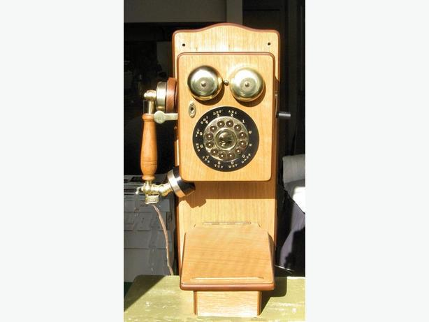 1920s Style Wooden Wall Phone - Magnasonic TS 254 Replica