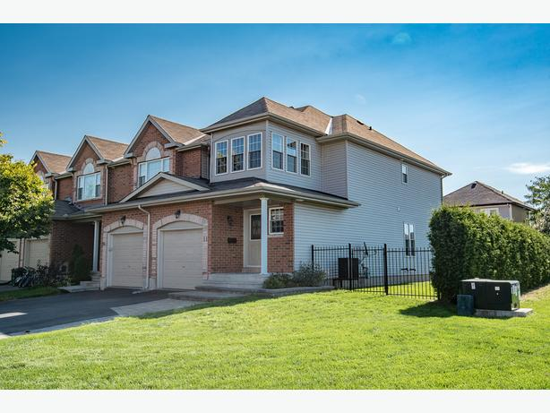 Stunning end unit townhome for sale in orleans orleans for Garage ad orleans