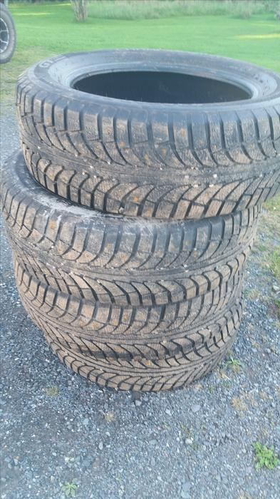 235 60 r18 winter studded tires for sale kings county pei. Black Bedroom Furniture Sets. Home Design Ideas