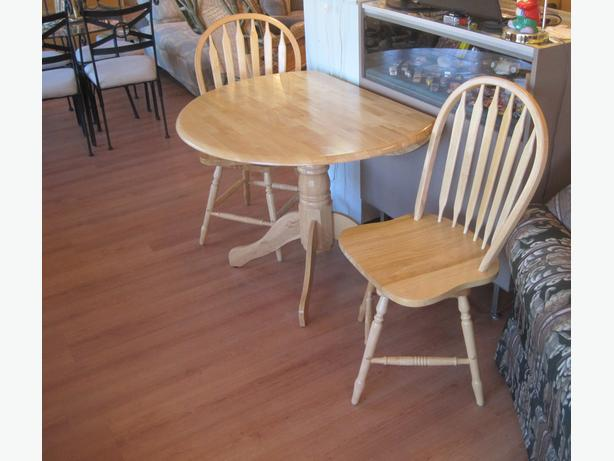 Solid Wood Round Table Set: Solid Wood Round Dropleaf Pedestal Dining Table & 2 Swivel