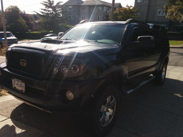 2006 Toyota Tacoma SR5 4X4 Crew Cab with Canopy
