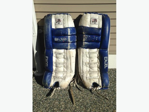 FREE: Free Ice Hockey Pads