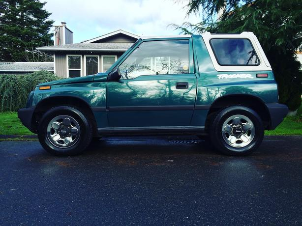 geo tracker 4x4 get ready for winter first time ever up for sale saanich victoria. Black Bedroom Furniture Sets. Home Design Ideas