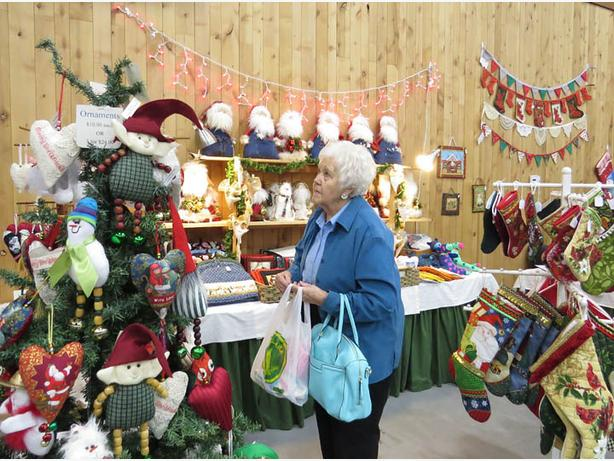 FREE: Christmas in the Valley Craft Fair