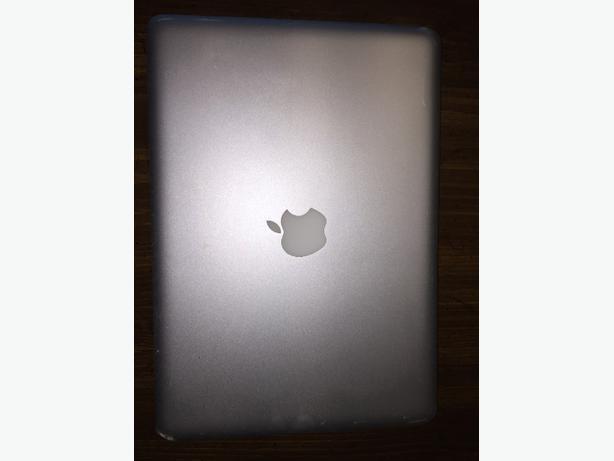 Macbook Pro 13•