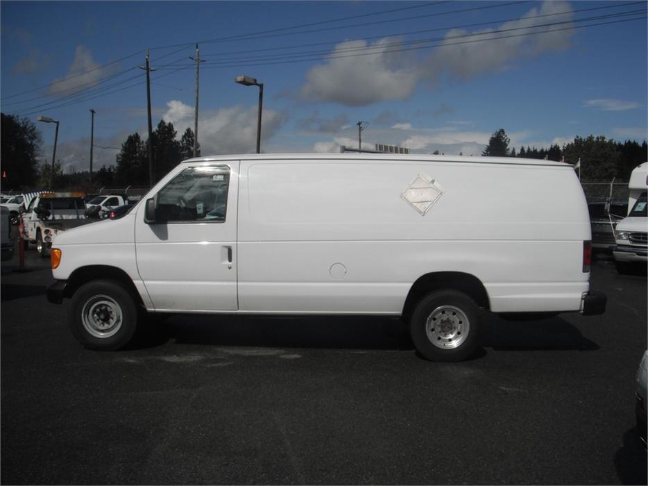 2004 ford econoline e350 super duty extended cargo van. Black Bedroom Furniture Sets. Home Design Ideas