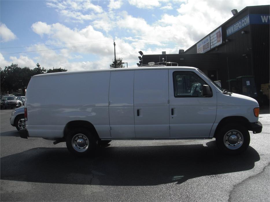 2004 ford econoline e350 super duty extended cargo van outside comox valley courtenay comox. Black Bedroom Furniture Sets. Home Design Ideas