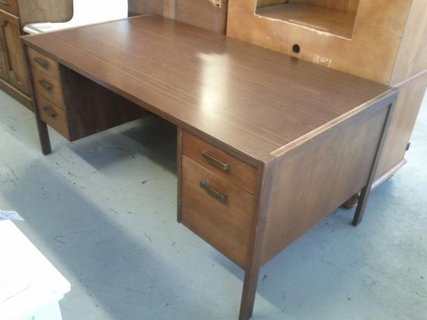 Excellent Mid Century Modern Oak Office Desk And Chair Central Nanaimo Nanaimo