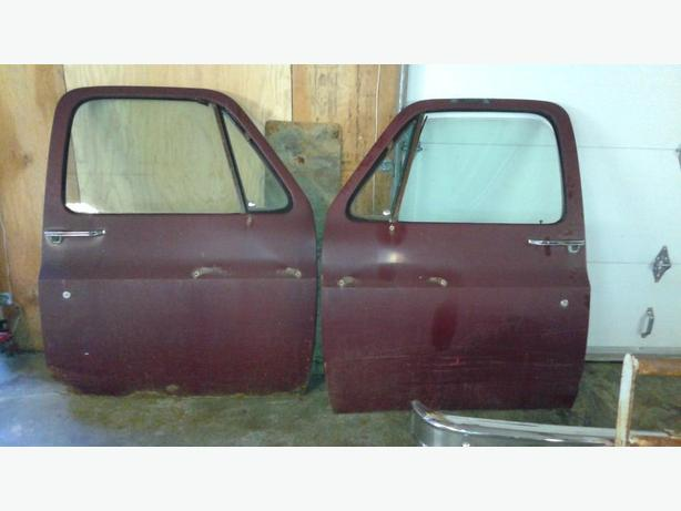 1979 GMC Pickup doors