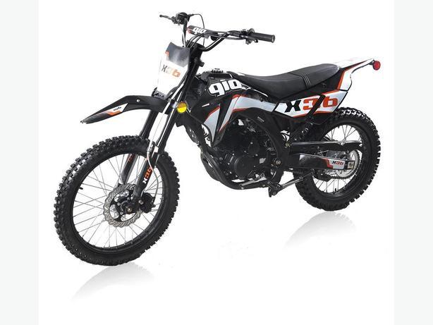GIO 250cc X36 DIRT BIKE GX SERIES WITH FREE HELMET INCLUDED.