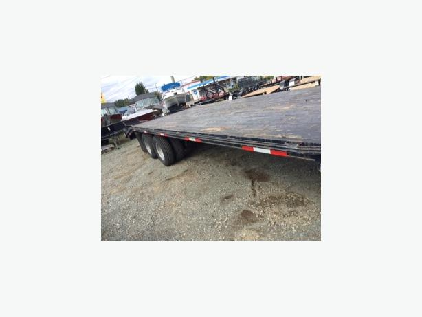 USED 2006 DOUBLE A EQUIPMENT TRAILER 20,000LB GVW