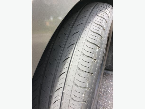 Great condition tires WITH RIMS 215 / 60 R16