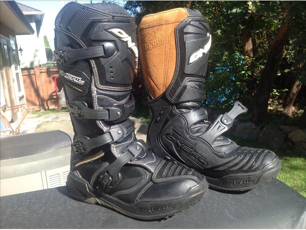 Youth O'Neal dirt bike boots size 7