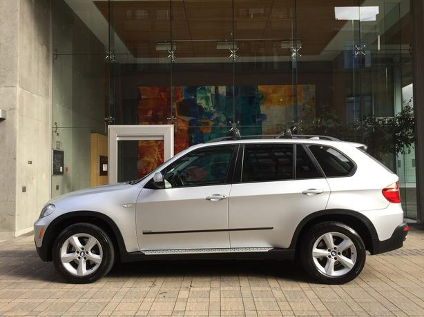 2008 BMW X5 AWD - FULLY LOADED! - NO ACCIDENTS!