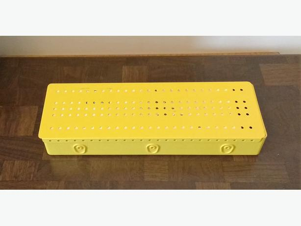 VINTAGE MECCANO STORAGE CASE AND PARTS