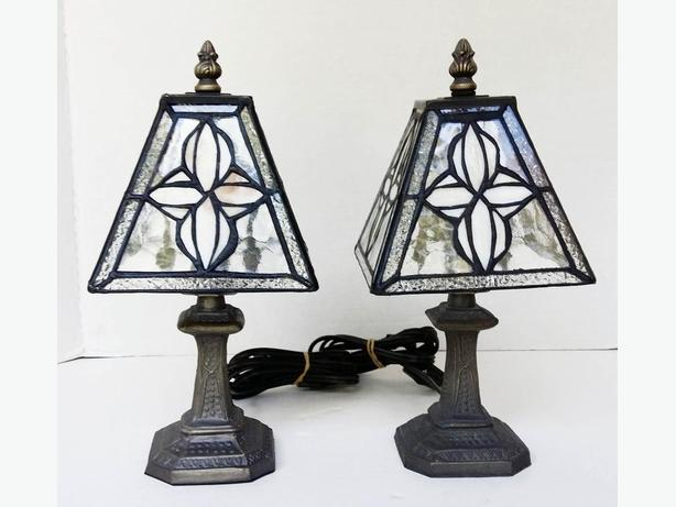 PAIR(2) of Lovely Tiffany Style Table Lamps ---H8Z1W9---