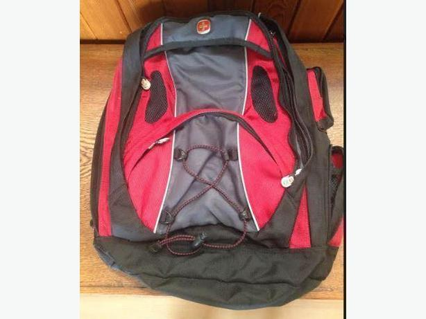 Swiss Army Backpack and Messenger Laptop Shoulder Bag 2 For Sale