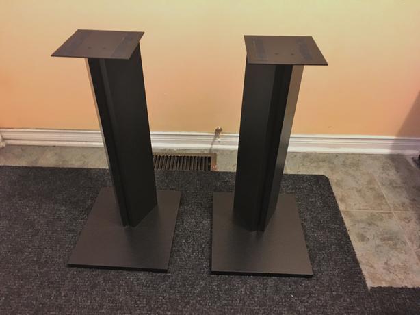 "22"" Speaker Stands"