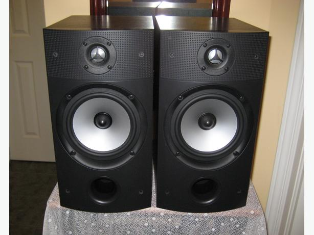 PSB Bookshelf Speakers	Image 2B