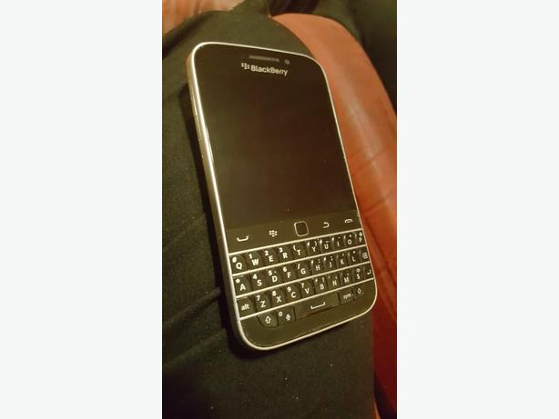 BLACKBERRY CLASSIC FOR SALE