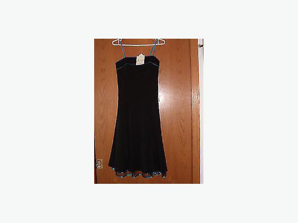 dress  black , size 6 , new ,