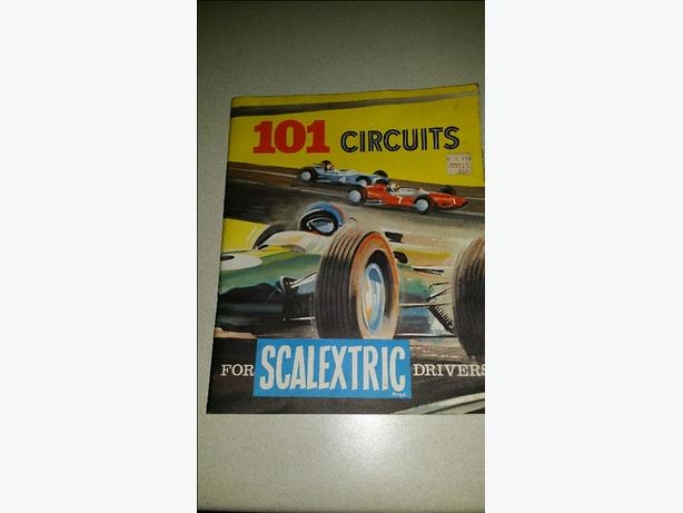 SCALEXTRIC VINTAGE RACE CAR SET 1960's