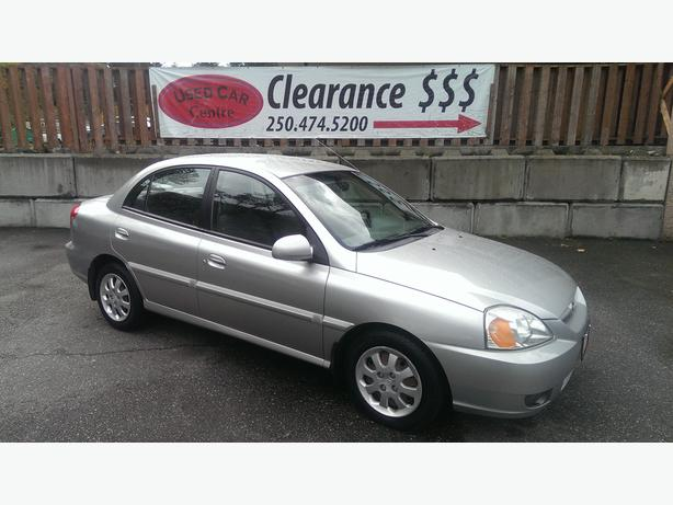 2003 Kia Rio RS sedan 4cyl Auto- great on gas and low kms!!