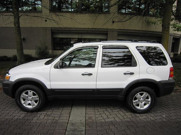 2006 Ford Escape XLT - LOCAL VEHICLE! - NO ACCIDENTS! - FULLY LOADED!