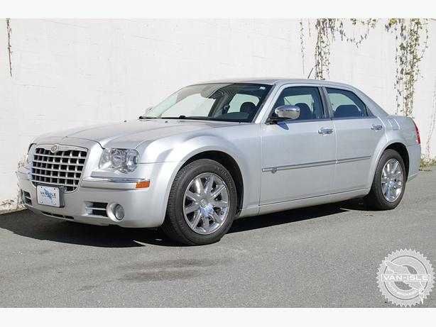 2008 chrysler 300c hemi outside comox valley campbell. Black Bedroom Furniture Sets. Home Design Ideas