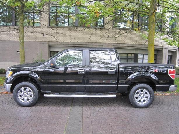2011 Ford F150 XLT 4X4 - LOCAL VEHICLE!