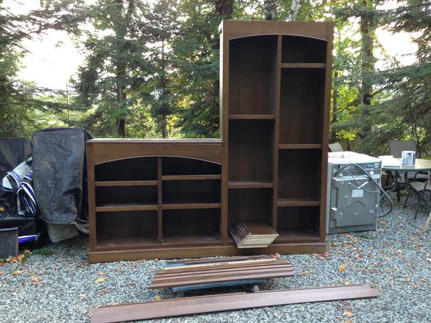 Bookcase/Wall unit - Solid, Beautiful, Well build & FREE DELIVERY