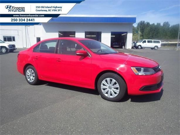 2014 Volkswagen Jetta Trendline+  Power Group, AC and More
