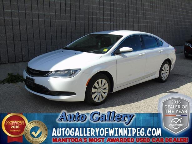 2015 Chrysler 200 LX*Super low kms!