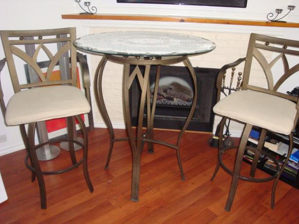 "Nice 2  modern metal high chair and 36""glass center table"