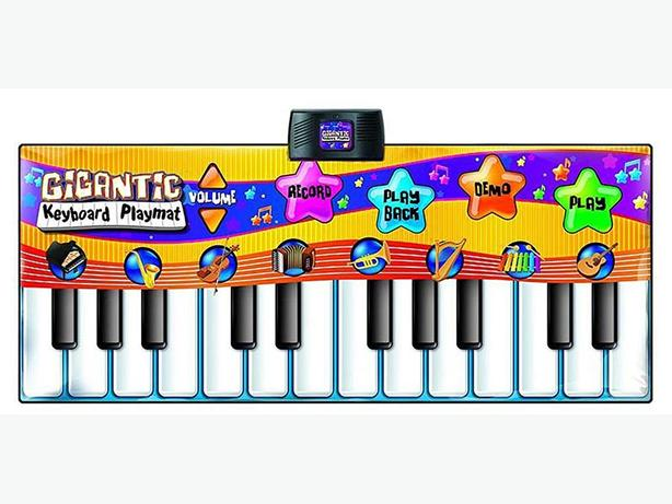Gigantic Step-On piano play mat