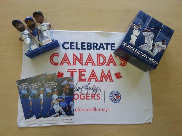 BLUE JAYS 40th ANNIVERSARY BOBBLE HEADS + EXTRAS
