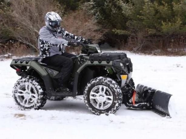 """NEW ATV SNOW PLOWS 48"""" MODEL ALL COMPLETE."""